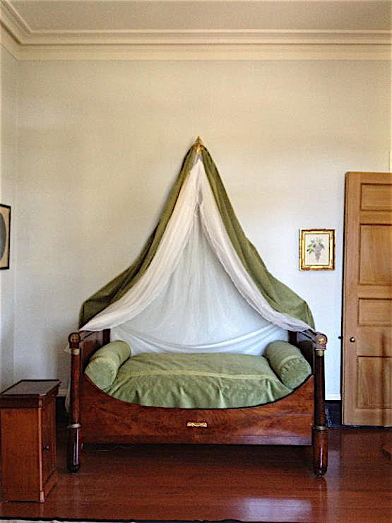 Oak Alley Plantation decorated by Au Vieux Paris Antiques - bedroom
