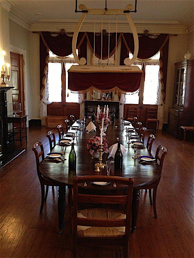 Oak Alley Plantation decorated by Au Vieux Paris Antiques - dining room