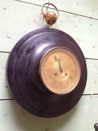 Empire toile|cast bronze dore Cartel Clock circa 1815